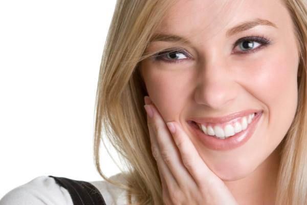 3 proceduri dentare care îți vor îmbunătăți substanțial zâmbetul